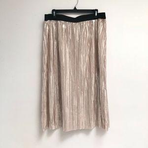 NWOT Xhilaration Gold Pleated skirt size XXL